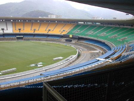 17largest football stadium in the world in rio